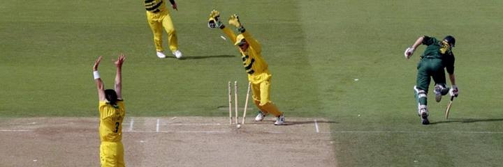Australia beat South Africa in the semi-final of the 1999 Cricket World Cup